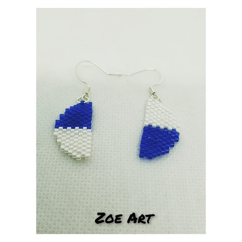 """Boucles d'oreilles """"owen"""" bleues et blanches en perles de verre"""