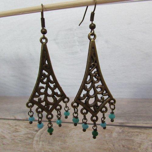 Boucle d'oreille  en métal bronze - perle en verre facettée   - 7 cm - 244