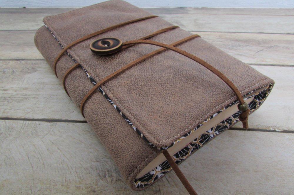 Protège livre, couverture  format poche , couvre livre en tissu simili cuir marron - 359