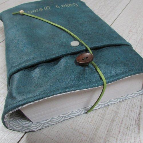 Protège livre à personnaliser avec broderie, housse protection format littéraire tissus simili cuir - 446