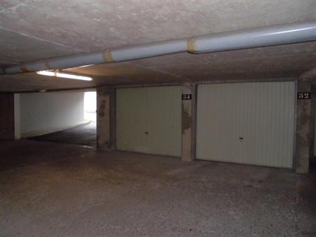 Stationnement Intérieur Garage simple