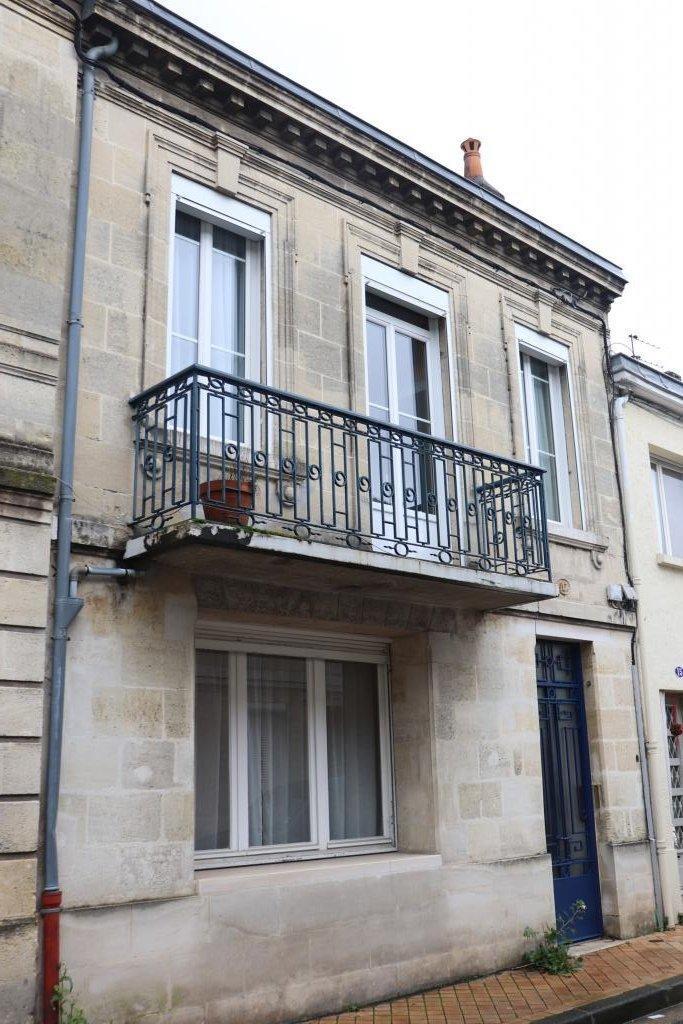 Maison en pierre de type 6 Quartier Saint-Seurin Fondaudège B...