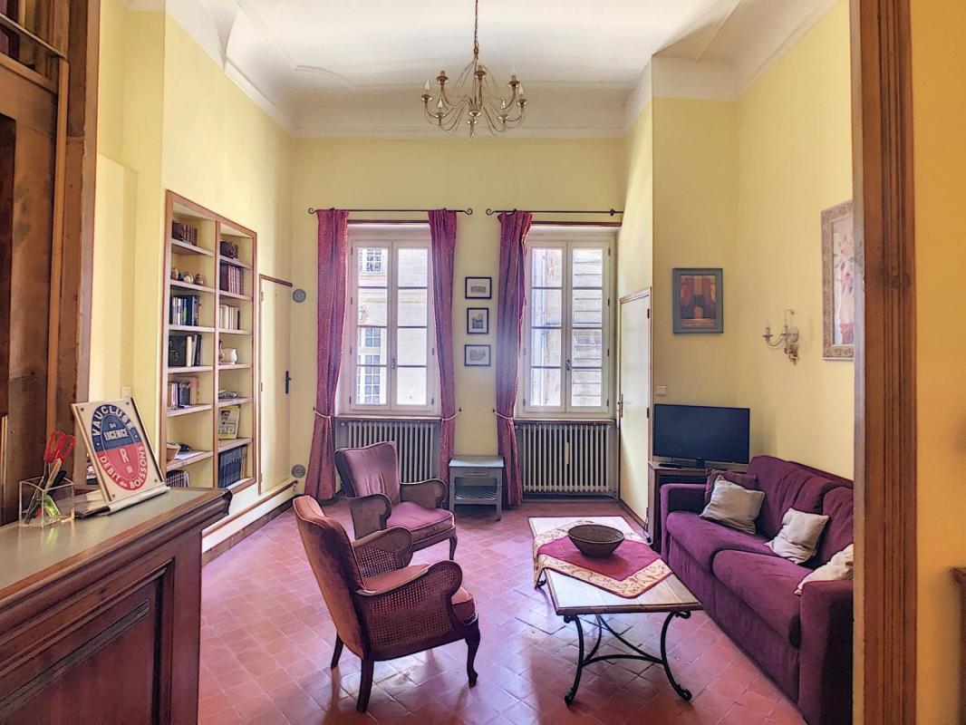 Uniquement chez nous! AVIGNON-INTRA-MUROS appartement T2  de 72m2