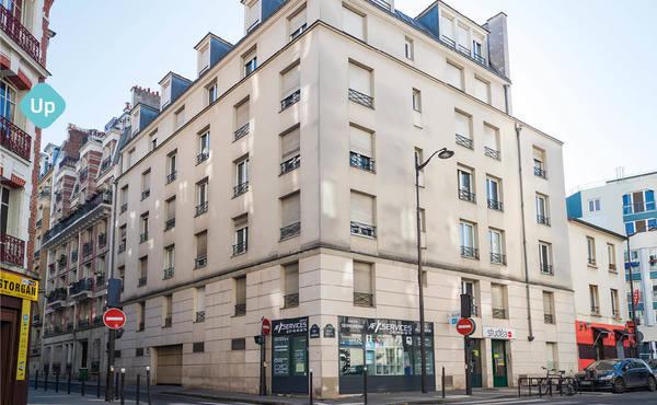 Location Studio 19 M² Paris 19e 890