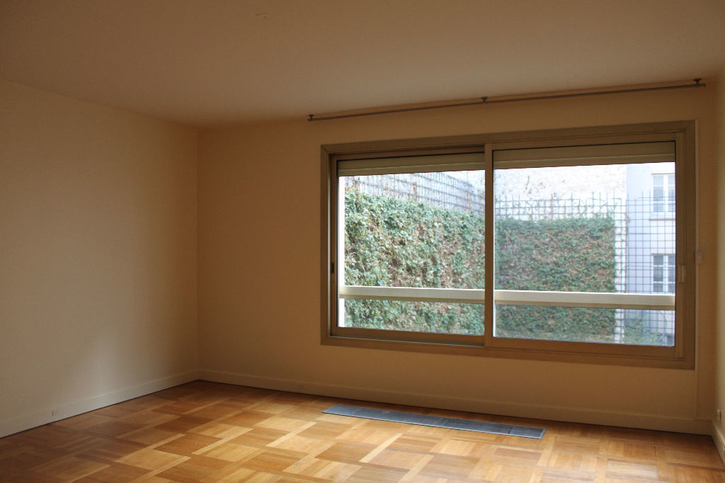 achat studio 36 m paris 7e 500 000. Black Bedroom Furniture Sets. Home Design Ideas