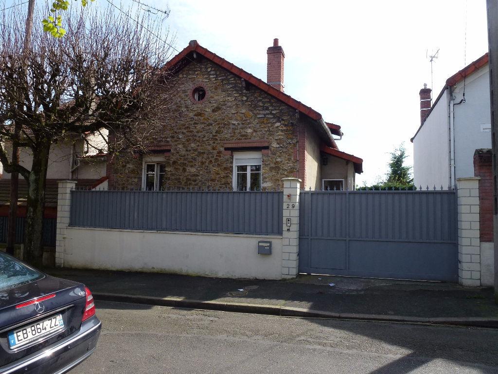 Maison de courtage finest stand blois courtage travaux de for Acheter une maison en france par un etranger