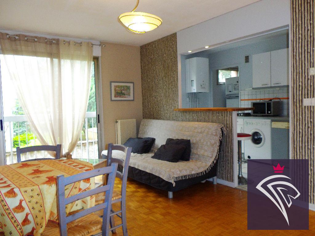 Location appartement meubl 2 pi ces 47 m lyon 5e 650 - Location studio meuble lyon 2 ...