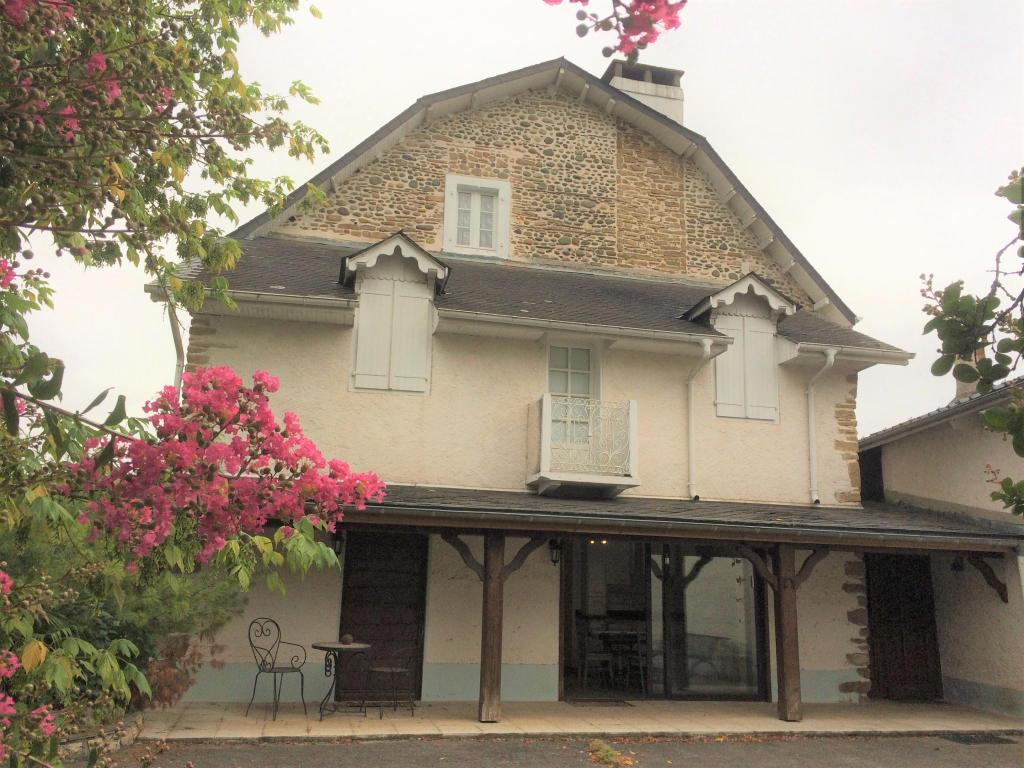 Maison 8pièces 215m² à Oloron-Sainte-Marie
