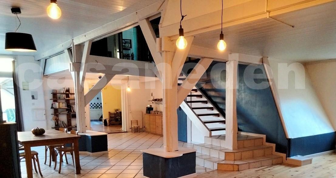 Maison/villa 8 pièce(s) 270 m2