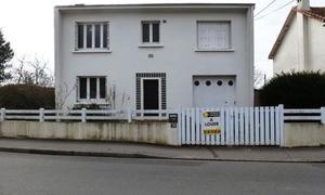 Louer une maison nantes for Louer garage nantes