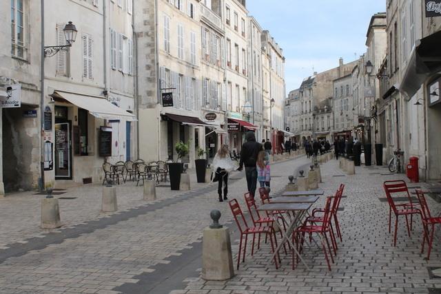 L immobilier la rochelle centre ville vieux port march 17000 annonces immobili res - Restaurant vieux port la rochelle ...
