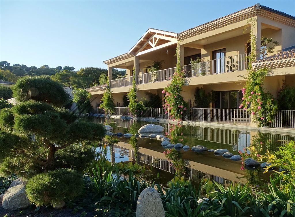 Avignon, exceptionnelle propriété bioclimatique avec piscine