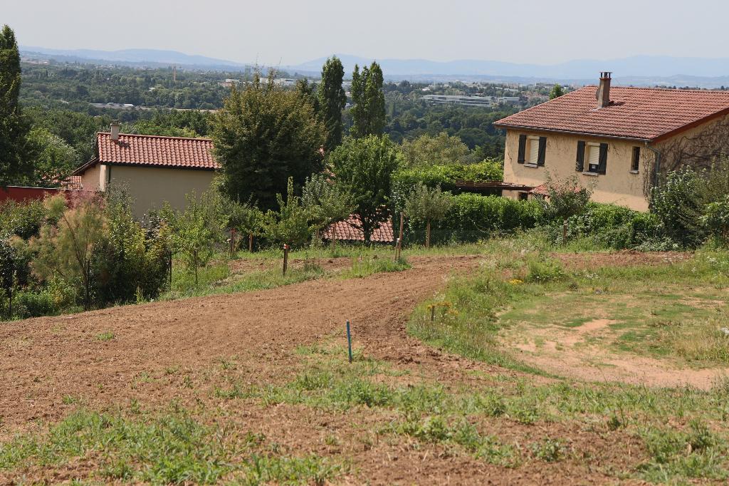 Terrain 680m² à La Tour-de-Salvagny