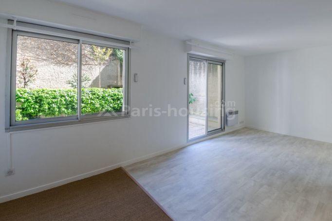 achat studio 26 m paris 15e 298 000. Black Bedroom Furniture Sets. Home Design Ideas