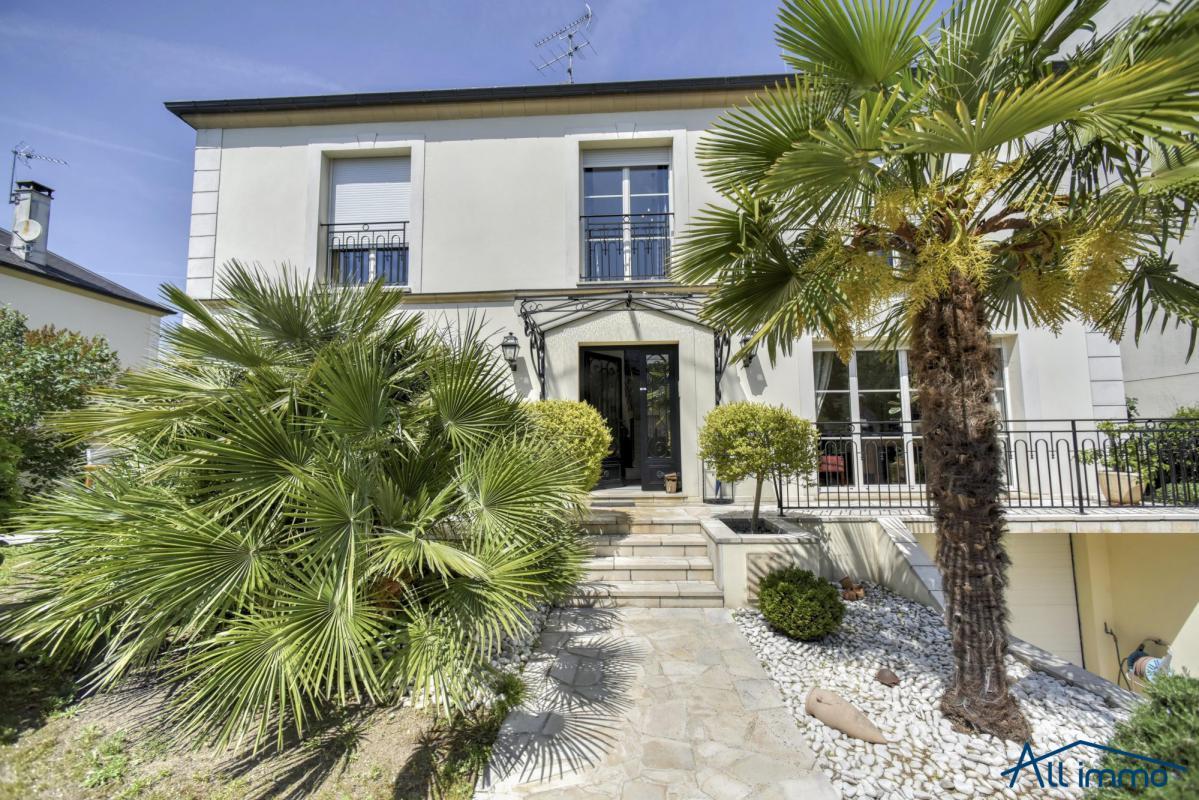 Maison 7pièces 220m² à Saint-Maur-des-Fossés