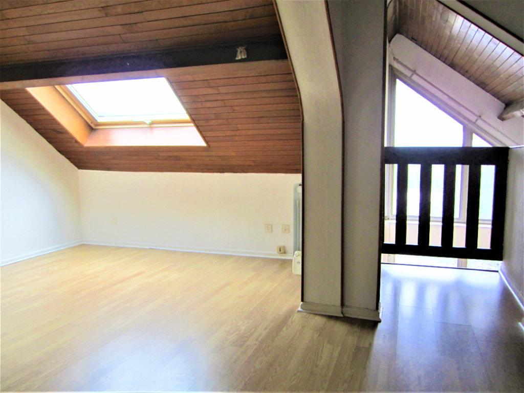 Appartement duplex Vesoul 3 pièces 5ème étage avec ascenseur 55 m2 à 74 990 Euros