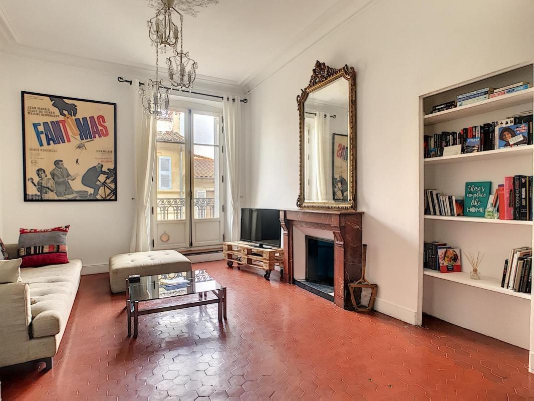 Avignon intramuros Appartement de 81m² de charme proche de la place de l'Horloge