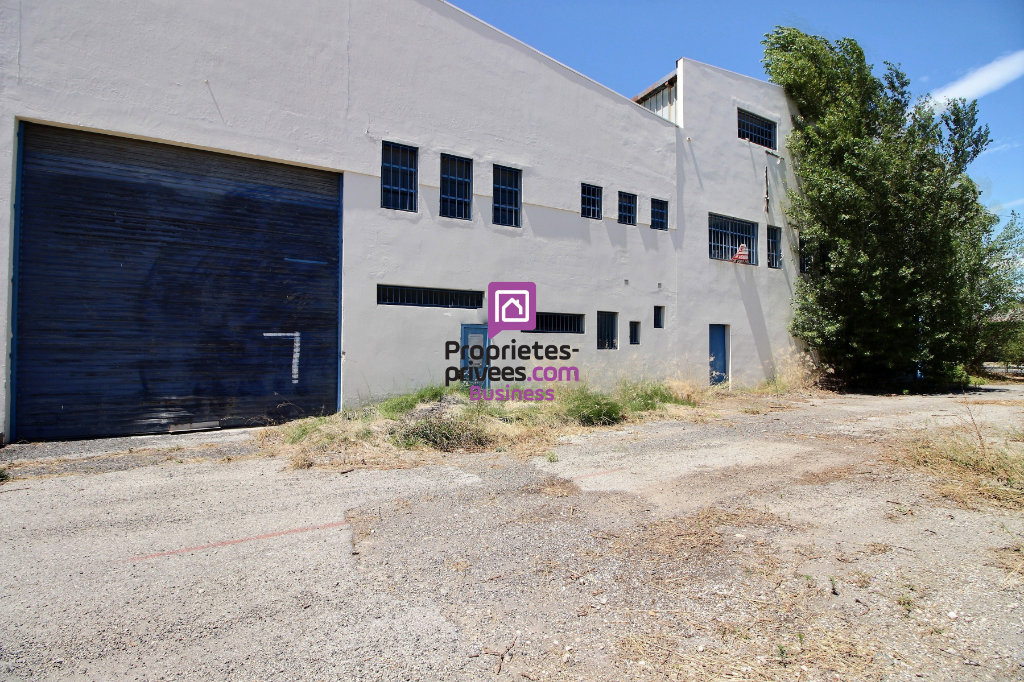 ORANGE - MURS Entrepôts / Local industriel 1 700 m² - 849 000 euros -