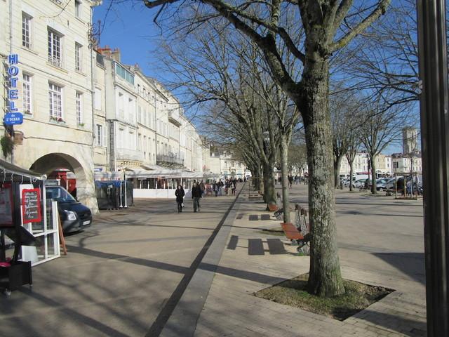 L immobilier la rochelle centre ville vieux port march 17000 annonces immobili res - Cours de cuisine la rochelle ...