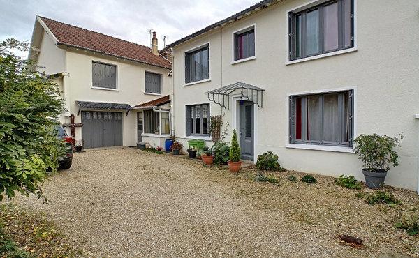 Chicken City - Montereau-Fault-Yonne | Americană bucătărie lângă mine | Rezervă acum
