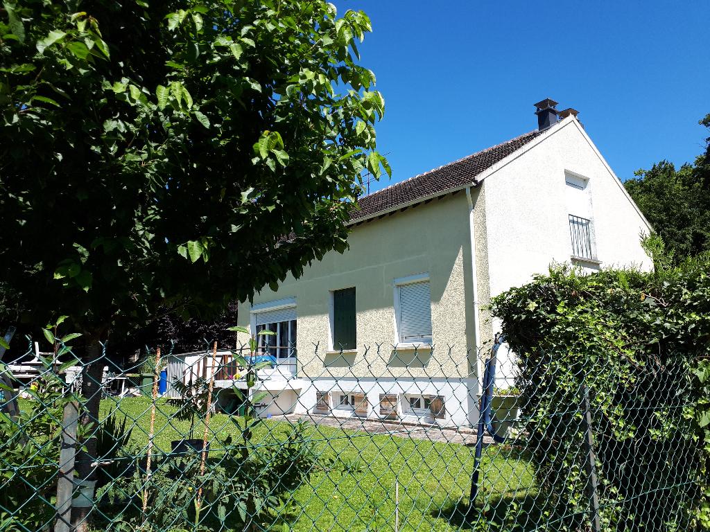 Maison 6pièces 100m² à Villeblevin
