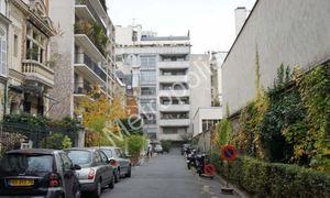 2c520bb47c27e Location parking box Paris 17e (75017) - Parking box à louer - Bien ici