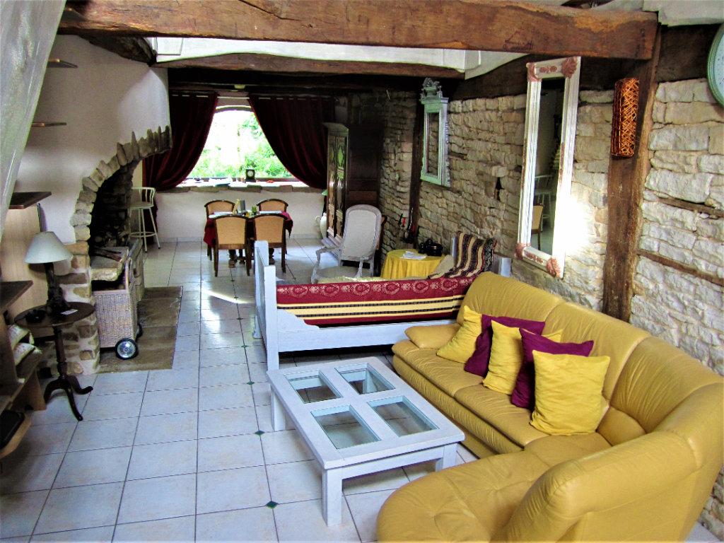 Vente Maison 250 m2 7 pièces aux portes de Vesoul  (70000) à 228 790 euros