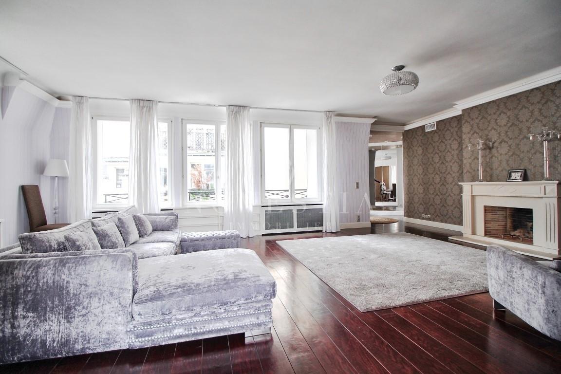 Appartement 5pièces 160m² à Paris 8e