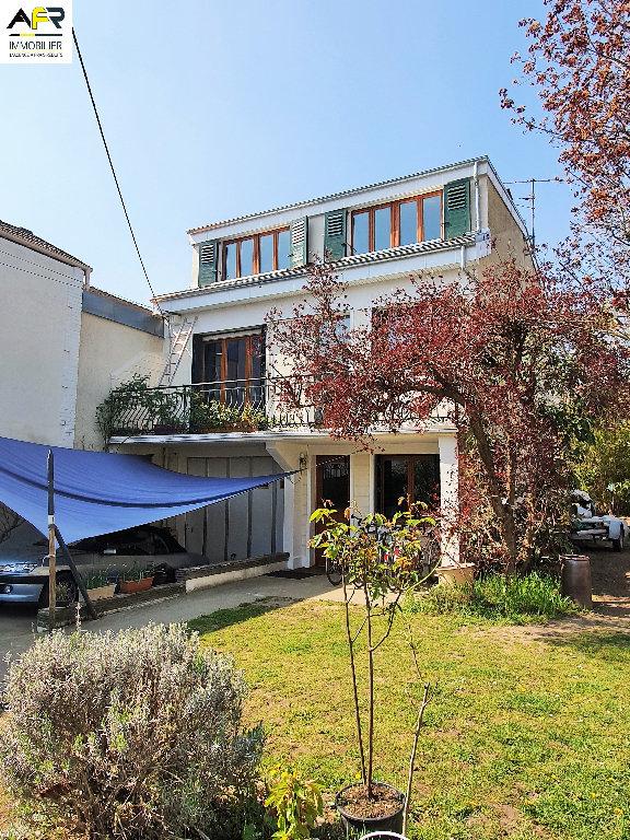 Maison a vendre houilles - 9 pièce(s) - 178 m2 - Surfyn