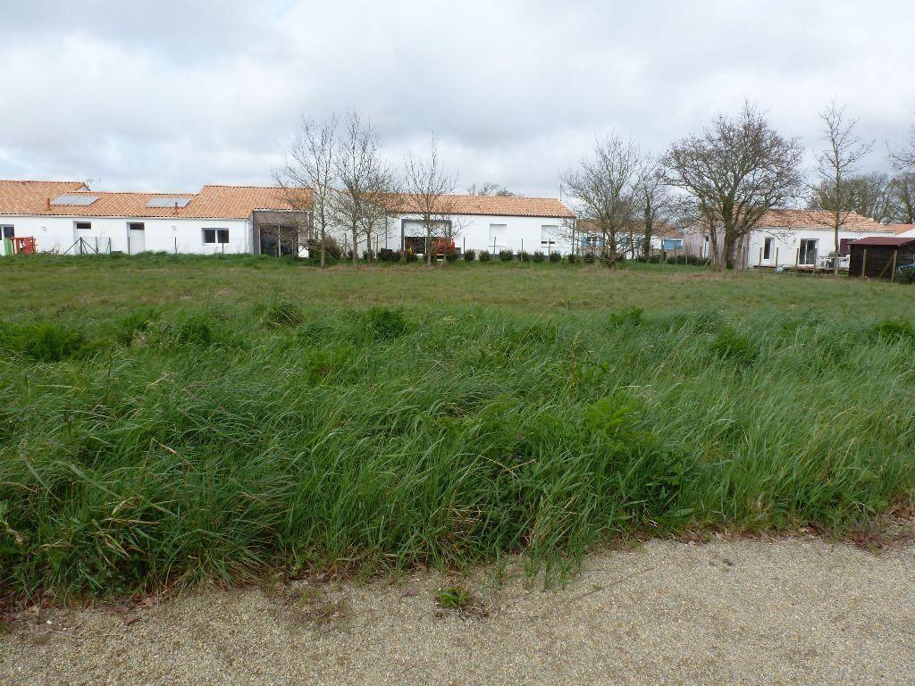 Terrain 800m² Saint-Urbain