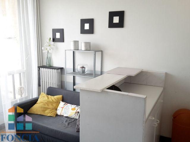 Location Appartement Meublé 2 Pièces 30 M², Marseille 2E - 590 €