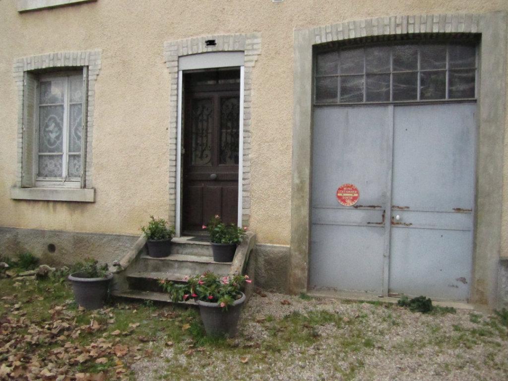70000 Vesoul Appartement  4 pièces 105 m2 A Rénover  33 990 euros