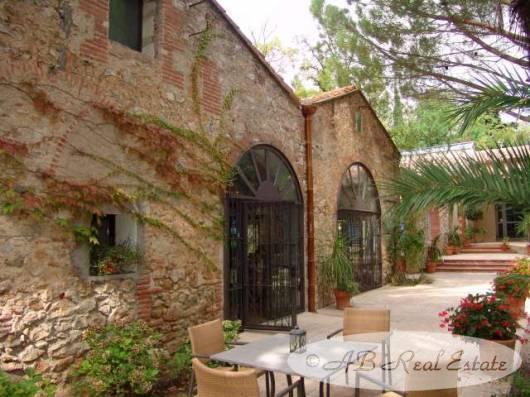 Demeure romantique avec maison indépendante parmis Mas Catalan authentique du XIXème siècle, idéal