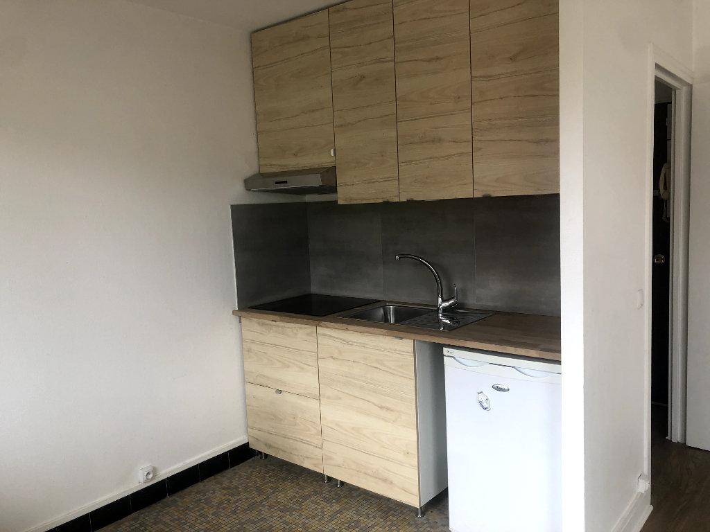 Appartement a louer nanterre - 1 pièce(s) - 27.86 m2 - Surfyn
