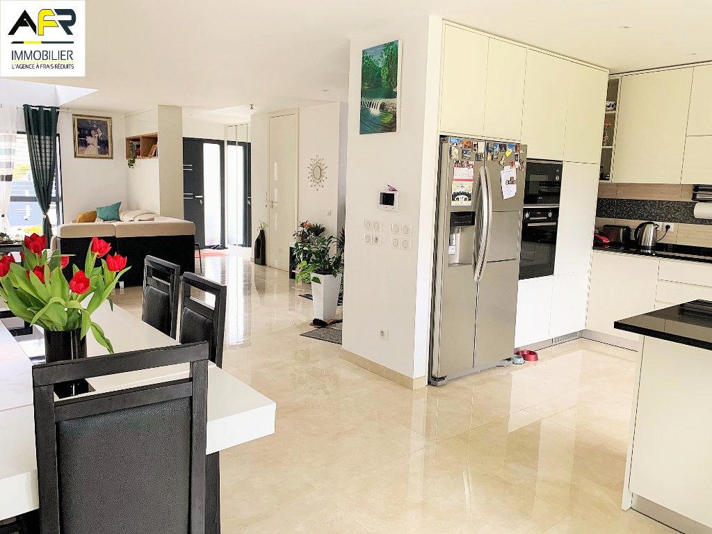 Maison a vendre houilles - 8 pièce(s) - 172 m2 - Surfyn