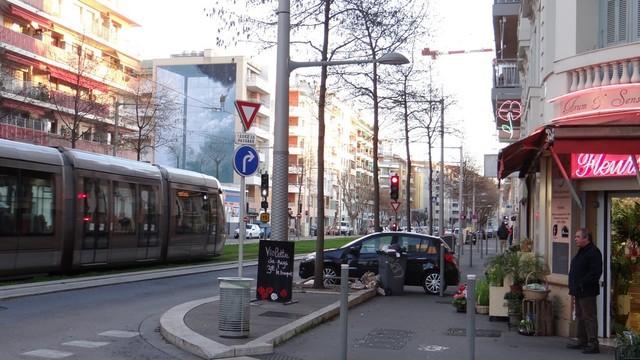 L immobilier nice saint roch 06300 annonces for Garage boulevard de la madeleine nice