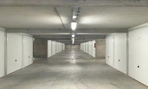 Louer un parking un box marseille 6e lodi for Garage marengo marseille