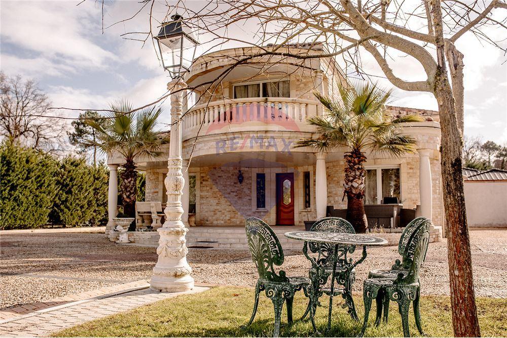 Belle maison de 220 m2