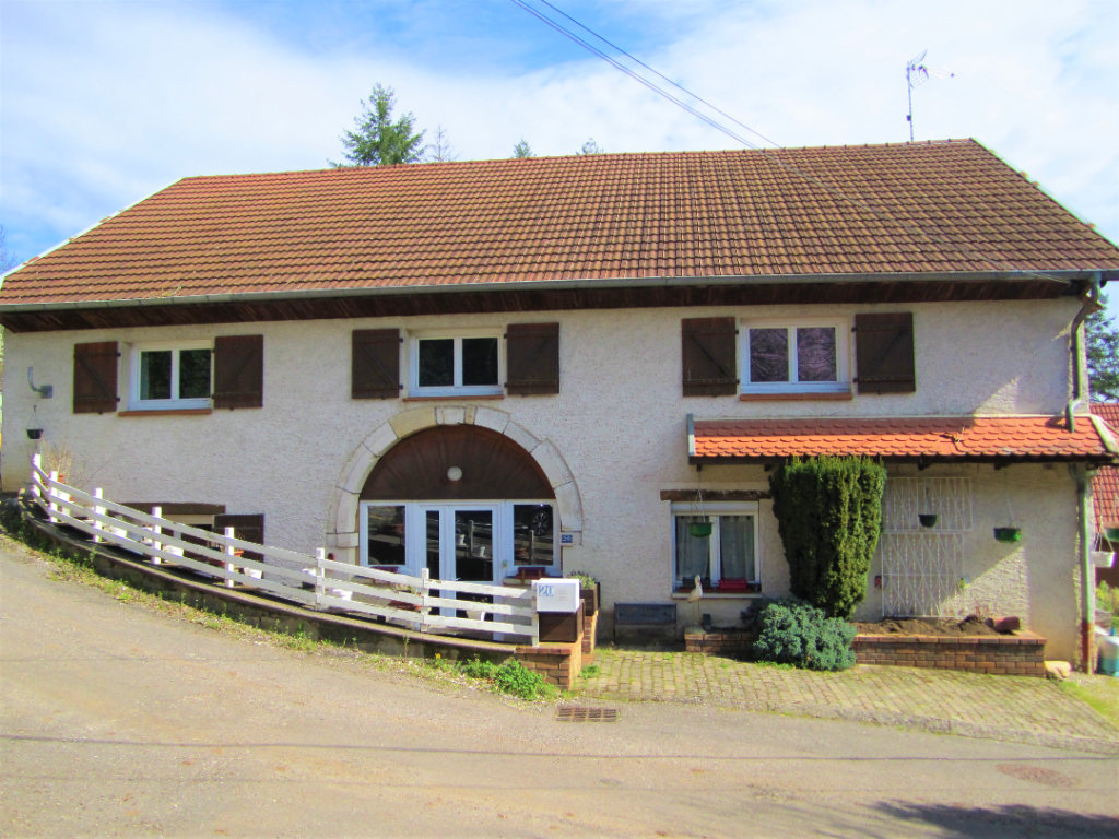70000 Vesoul Maison de village  9 pièces 240 m2 à 155 990 euros