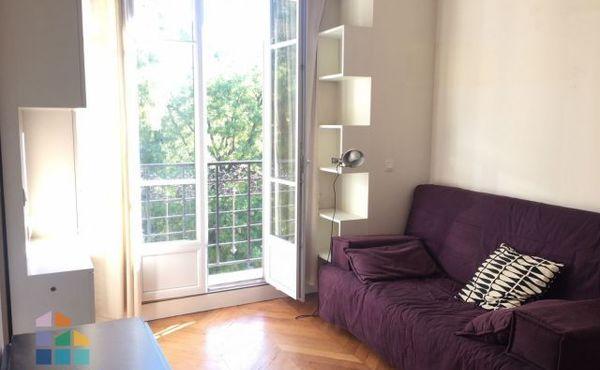 Location Studio Meublé Paris 18e 843