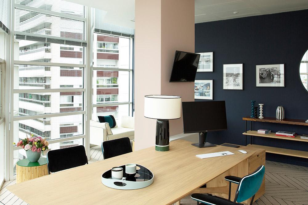 Bureau Europe 1, Paris 16e.